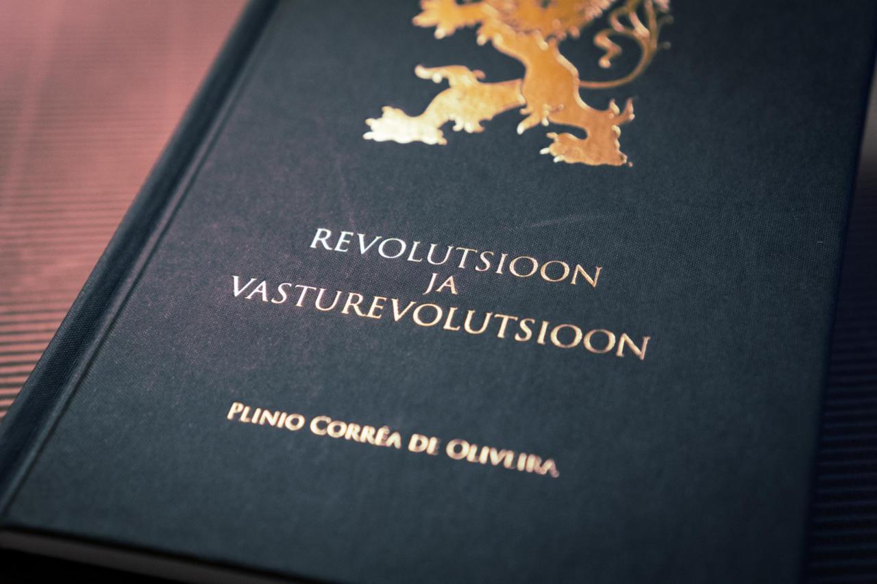 Raamat: Revolutsioon ja Vasturevolutsioon